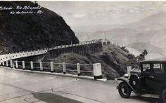 """Estrada Rio-Petrópolis (BR-040 - """"Rodovia Washington Luís"""") - década de 30.   https://www.facebook.com/quemteviuquemtv/photos/a.811781048962275.44410.811769992296714/1216949025112140/?type=1&theater"""