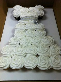 dress cake from cupcakes