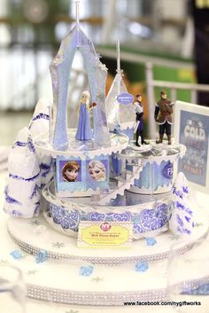 Frozen decorations at a girl Birthday Party!  See more party ideas at CatchMyParty.com!