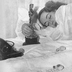 "Joan Crawford accepted her Best Actress Oscar for ""Mildred Pierce"" in bed because she was ""ill."" Photo by Martha Holmes, March Hollywood Cinema, Old Hollywood Stars, Golden Age Of Hollywood, Old Hollywood Glamour, Vintage Hollywood, Classic Hollywood, Hollywood Actresses, Joan Crawford, Julia Konrad"