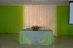 decoraciom con telas y luces, sencillo de hacer
