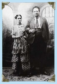 Frida and Diego, first wedding, both standing 1929 Photo credit: Unknown