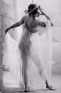 #MataHari | 1905/1910 | Postcard Set | Walery, Paris