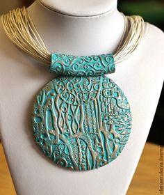 Great textured bail, no link Polymer Clay Kunst, Polymer Clay Pendant, Polymer Clay Projects, Clay Beads, Polymer Clay Jewelry, Fabric Jewelry, Beaded Jewelry, Handmade Jewelry, Jewellery