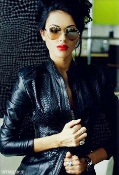 Love a little black leather jacket....!!