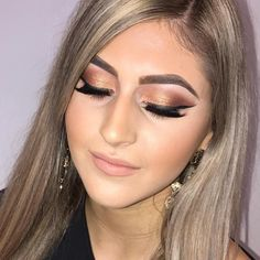 kit, and Onli. Eyebrow Makeup Products, Eyebrow Beauty, Makeup Tools, Eyebrows, Beauty Products, Accessories Online, Cosmetics, Kit, Brushes