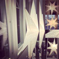 Tähdet tähdet! Valoa synkkyyteen!  #tähdettähdet #joulutähti #jouluvalot #joulu #futuremarja