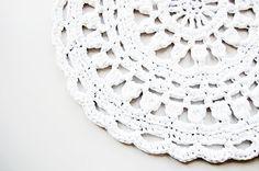 doily crochet rug - handmade - carpet - white - wit - gehaakt - vloerkleed