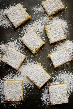 One of the best desserts: Classic Lemon Bars / joy the baker Just Desserts, Delicious Desserts, Dessert Recipes, Yummy Food, Baking Recipes, Cookie Recipes, Eat Dessert First, Dessert Bars, Yummy Treats