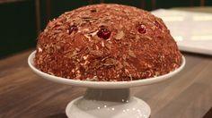 Schwarzwälder kirschtorte er en lækker tysk opskrift fra FRIs Bageri, se flere dessert og kage på mad.tv2.dk