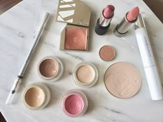 These are my top picks for a green, eco-friendly, and non-toxic makeup starter kit with recommendations of everything from foundation to blush to mascara. Makeup Kit, Beauty Makeup, Makeup Starter Kit, Non Toxic Makeup, Organic Makeup, Beauty Hacks, Beauty Tips, Mascara, My Style