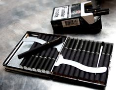 Cigarettes and alcohol go together like peanut butter and ladies Smoking Kills, Smoking Weed, Girl Smoking, Black Cigarettes, Cigarette Aesthetic, Smoke Photography, Cigarette Case, Rwby, Mafia