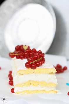 Topfenschnitte mit Biskuit Cupcakes, Vanilla Cake, Delicious Desserts, Nom Nom, Sweet Tooth, Cheesecake, Food And Drink, Sweets, Baking