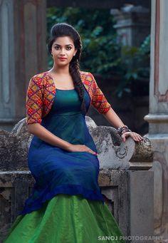 Beautiful Girl Photo, Beautiful Girl Indian, Most Beautiful Indian Actress, Gorgeous Women, Beautiful People, Long Dress Design, Stylish Dress Designs, Stylish Dresses, Kerala Engagement Dress