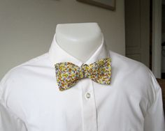 Mens Bowtie, Classic, Freestyle, Self-tie.   Pale Grey Cotton with a tiny Black, Yellow, and Orange Design.  Ships from France Worldwide. by StrictlyBowTies on Etsy
