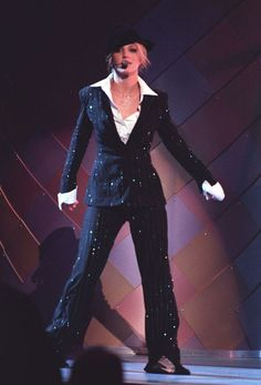 Britney Spears 2000, Britney Spears Performance, Britney Spears Outfits, Britney Spears Images, Miley Cyrus Vma, Britney Jean, Mtv Video Music Award, Music Awards, Costumes