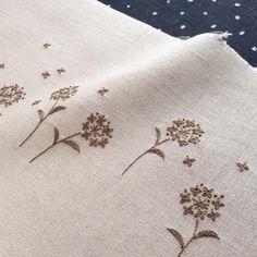 今日の刺繍はこんな感じ。皆さまの期待を裏切り1色の刺繍です(#^.^#)