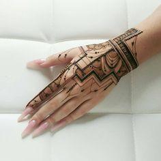 Gorgeous Temporary Tattoos for Ladies Tribal Henna Designs, Finger Henna Designs, Mehndi Designs For Girls, Mehndi Designs For Fingers, Modern Mehndi Designs, Mehndi Design Photos, Beautiful Mehndi Design, Wedding Mehndi Designs, Henna Tattoo Designs Simple