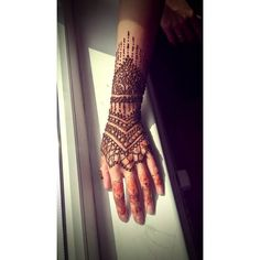 Līga Tiesniece (@eyebeka) • Instagram photos and videos Red Henna, Henna Tattoos, Mehendi, Photo And Video, Videos, Instagram Posts, Photos, Beauty, Pictures
