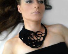 Collana di okapi crochet nero