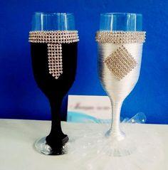 Taças Decoradas para brinde dos noivos.