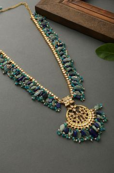 May 2020 - Sahima Multicolor Kundan Inspired Necklace – Paisley Pop Shop Indian Jewelry Earrings, Indian Jewelry Sets, Jewelry Design Earrings, Indian Wedding Jewelry, Necklace Designs, Bridal Jewelry, Beaded Jewelry, Jewelery, Chunky Jewelry