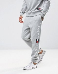 Tommy Hilfiger Tommy Jeans Sweat Pants Regular Fit Logo in Gray Mens Joggers Sweatpants, Mens Jogger Pants, Sweat Pants, Jeans Pants, Jogging Outfit, Track Pants Mens, Track Suit Men, Tommy Hilfiger Outfit, The Dancer