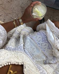 Keep it classy ♡ shared by Evi.Mita on We Heart It Create A Signature, Signature Look, Clothes Horse, European Fashion, Feminine Style, Fashion Pictures, Parisian, Videos, Beautiful Dresses
