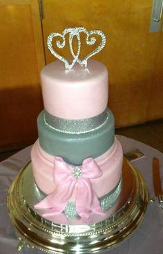 Pink/Grey cake