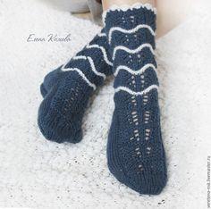 Купить Носочки вязаные ажурные синие с волнами, 50% меринос - тёмно-синий, носочки вязаные