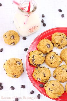 Chocolate chip pumpkin cookies – moist, cake-like cookies, packed with pumpkin sweetness and full of chocolate-chips. A delicious fall inspi...