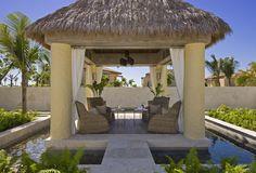 The St. Regis Punta Mita Resort—Sea Relaxation Area | bởi St. Regis Hotels and Resorts