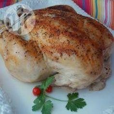 Ein super einfaches Rezept, wie man ein ganzes Huhn im Slow Cooker oder Crock Pot zubereitet @ de.allrecipes.com