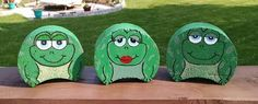 Frogs Cement Pavers, Painted Pavers, Painted Rocks, Hand Painted, Brick Pavers, Concrete Blocks, Painted Bricks Crafts, Brick Crafts, Stone Crafts