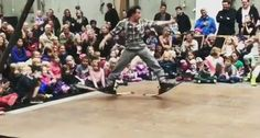 Artista Faz Original Coreografia Ao Dançar Com Um Par De Skis