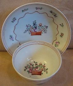 c.1790 NEW HALL PORCELAIN TEA BOWL & SAUCER in FLOWER BASKET pattern 171