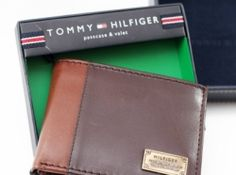 Tommy Hilfiger Men's Melton Passcase Billfold