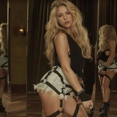 """Shakira Joined In Doing Some Charity Work While She And Prince Royce Danced Up A Storm In Their """"Deja Vn"""" Music Video. http://feelindamuzic.blogspot.com.br/2017/04/shakira-joined-in-doing-some-charity.html"""