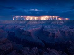 Lightning over the Grand Canyon. Would love to have seen this, grand canyon alone is AWESOME! All Nature, Science And Nature, Amazing Nature, It's Amazing, Grand Canyon, Beautiful World, Beautiful Places, Beautiful Scenery, Beautiful Sunset