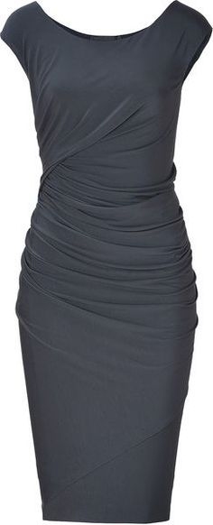 Donna Karan New York Carbon Cap Sleeve Draped Jersey Dress - Lyst Simple to be casual yet throw some heels on and a statement necklace and it's a night out Mode Glamour, Elegantes Outfit, Mode Outfits, Work Fashion, Gq Fashion, Donna Karan, Pretty Dresses, Beautiful Outfits, Dress To Impress