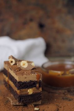Prajitura cu ciocolata, caramel si alune/ Chocolate,caramel and hazelnuts entremet New Dessert Recipe, Dessert Recipes, Best Cake Recipes, Cookie Recipes, Entremet Cake, Cream Cheese Flan, Peanut Cake, Desserts With Biscuits, Layered Desserts
