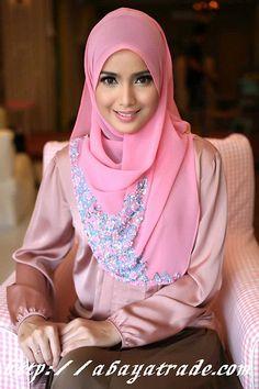 htttp://abayatrade.com muslim fashion magazine  elegant pink fashion  abaya