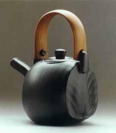 Ceramic Teapots | Found on chrisweaver.co.nz