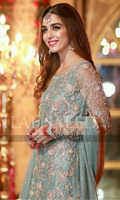 Maya ali ♥❤❤Descent bride pic collection in ✨**Be$t Tika &$ide jhoomar Hairstyle** board created by **Haya Maik** ✨
