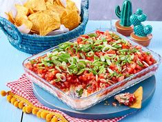 Nacho-Dip - Essen - Appetizers for party Dip Recipes, Mexican Food Recipes, Appetizer Recipes, Cooking Recipes, Finger Food Appetizers, Appetizers For Party, Finger Foods, Nacho Dip, Nachos