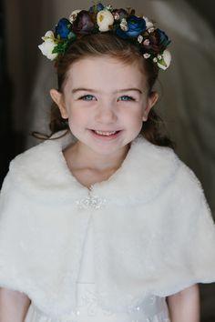 Winter wedding, Flower girl