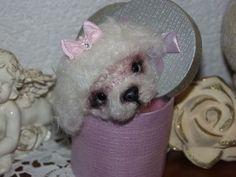 WUNSCHANFERTIGUNG:Malteser-B... von Ute´s Herzbären , Ute´s Herz- Filzies,Ute´s OOAK- Fiemelchen auf DaWanda.com  Ho il ressemble trop  à ma chienne, sauf qu'elle est noire!
