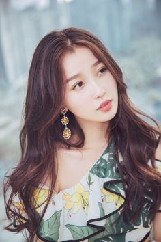 Beautiful Chinese Girl, Beautiful Asian Women, Pretty Hairstyles, Girl Hairstyles, Tori Tori, My Amazing Boyfriend, Chinese Actress, Cute Asian Girls, Actor Model