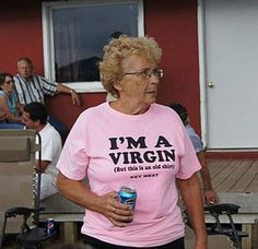 29 Old People Rocking Highly Inappropriate T-Shirts Old Shirts, Funny Shirts, Key West, Haha Funny, Funny Memes, Meme Faces, My Vibe, Mood Pics, Reaction Pictures