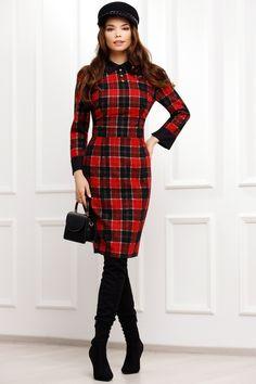 Rochie trei sferturi carouri bordo este o rochie office-eleganta, ce iti ofera un look seducator. Rochia are un croi modern, care urmeaza linia cropului, va fi perfecta pentru a fi imbracata la ocazii speciale cat si la birou. Atmosphere Fashion, Dresses With Sleeves, Coat, Long Sleeve, Jackets, Passau, Down Jackets, Sewing Coat, Sleeve Dresses